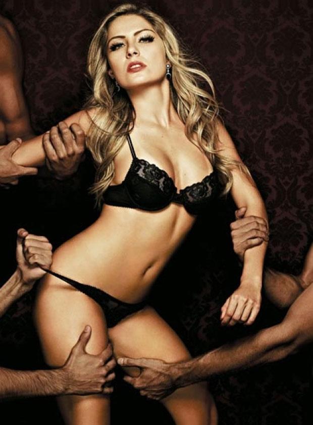 Ex-BBB Renata Dávila posa nua para a ''Playboy''