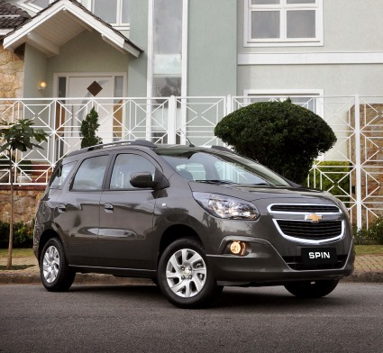 Novíssimo Chevrolet Spin chega ao mercado brasileiro