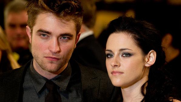 Kristen Stewart trai Robert Pattinson e pede segunda chance