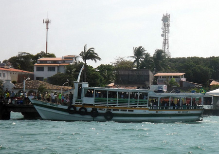 Movimento de retorno da Ilha é intenso e lanchas operam de 10 em 10 minutos