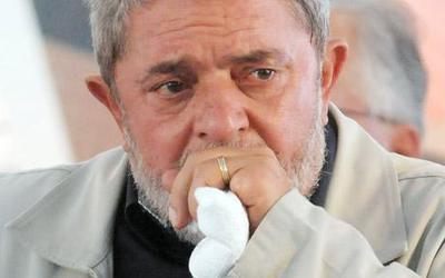 Lula teria ido de madrugada ao Sírio-Libanês tratar de câncer no pulmão, diz blogueiro.