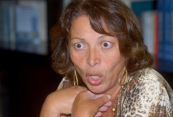 Ideli Salvatti é acusada de usar jatinho da FAB nos fins de semana