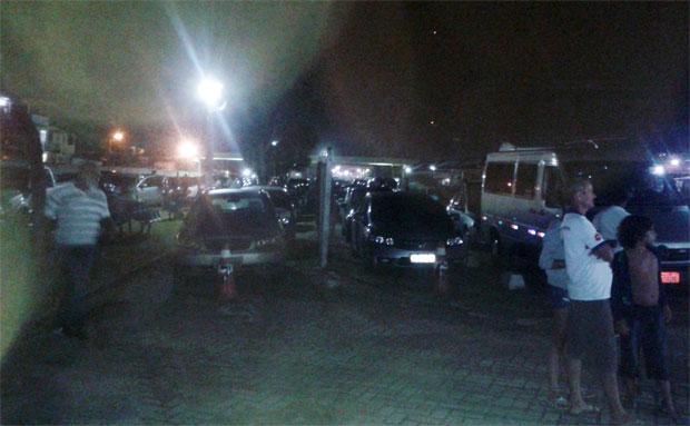 Usuários do ferryboat tiveram noite de cão em Bom Despacho