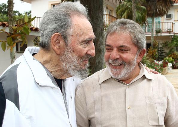 Fidel Castro completa 87 anos festejado pela imprensa oficial de Cuba