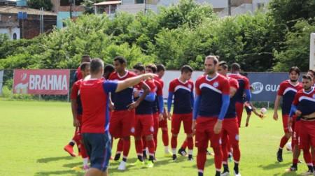 O técnico Sérgio Soares aproveitou o último dia de trabalho para realizar um coletivo-tático (Foto: Divulgação/ esporteclubebahia.com.br)