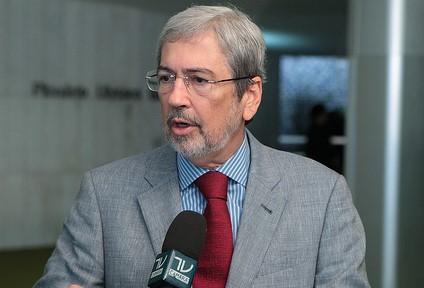 Imbassahy critica poderes que Dilma deu a Wagner para movimentar Forças Armadas