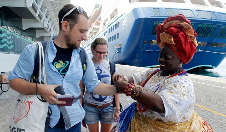 Até o Carnaval, existe a expectativa que desembarquem no estado aproximadamente 50 mil pessoas. (Foto: Bahiatursa/Divulgação)