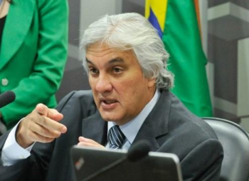 O líder do governo no Senado, Delcídio do Amaral, foi preso esta manhã como parte da Operação Lava Jato (Foto: Agência Senado)