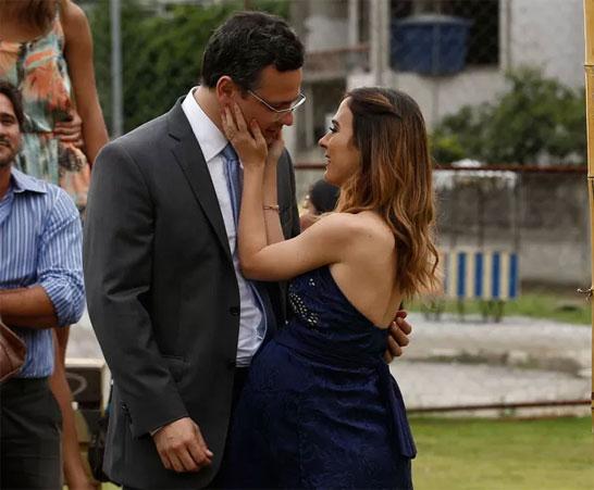 Cícero e Danda apaixonados (Foto: Inácio Moraes/Gshow/TV Globo/Divulgação)