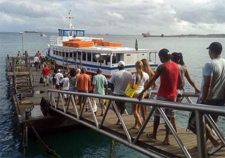 Embarque para  Mar Grande ocorre com tranquilidade (Foto: Astramab/Divulgação)