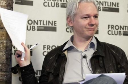 A detenção de Assange foi realizada em detrimento do direito internacional, segundo a ONU.