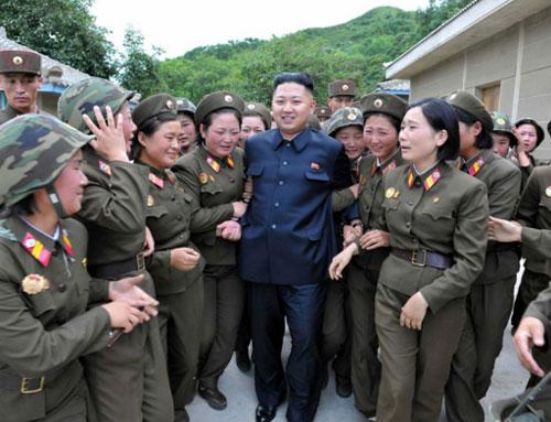 """O regime ddo norte-coreano  Kim Jong-un comunicou a várias entidades internacionais que colocará em órbita um """"satélite"""" entre os próximos dias 8 e 25."""