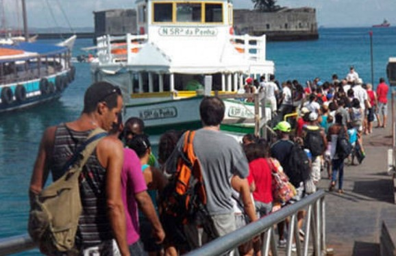 A travessia está com seis  embarcações em tráfego (Foto: Astramab/Divulgação)