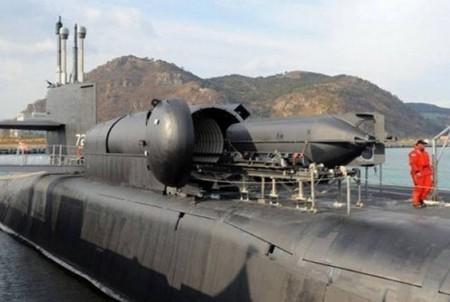 As manobras contam com o submarino de propulsão nuclear norte-americano de 7.800 toneladas (Foto: Reprodução)