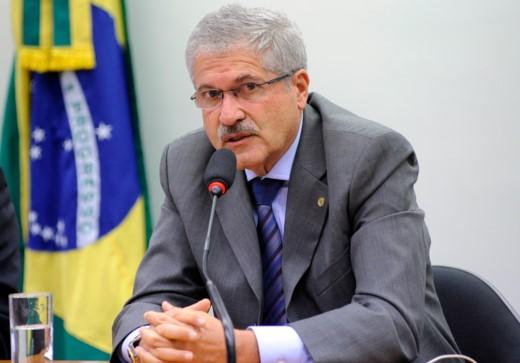 O relatório final elaborado pelo deputado José Rocha (PR-BA) foi aprovado por 20 votos contra 7. (Foto: Agência Câmara)
