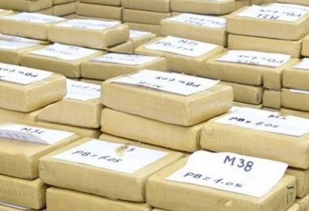 Um barco rápido foi interceptado a 200 milhas náuticas de El Salvador com uma carga de 750 quilos de coca