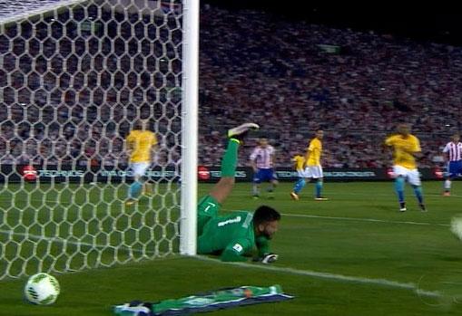Brasil arranca empate com o Paraguai, mas deixa a zona de classificação.
