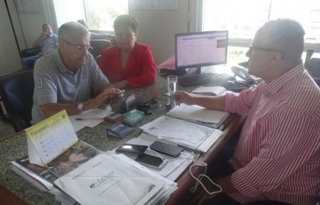 Josias Gomes, secretário de Relações Institucionais, em audiência com o prefeito de Caldeirão Grande, João Gama Neto. (Foto: Divulgação)