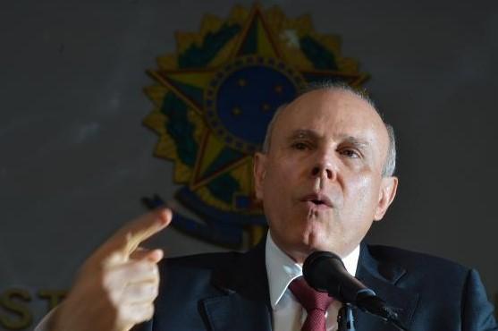 Mantega foi citado por suspeitos investigados na operação como amigo de um dos alvos da fase deflagrada nesta segunda-feira, Victor Sandri, dono da empresa Cimento Penha, suspeita de comprar decisões do Carf. (Foto: Agência Brasil)