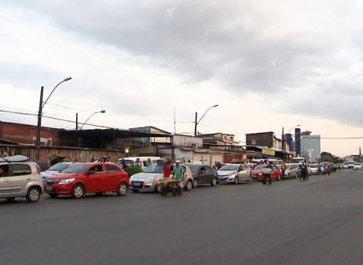 Usuários vão enfrentar longas filas hoje em Bom Despacho, no retorno pelo Sistema Ferryboat. (Foto: Jornal da Mídia)
