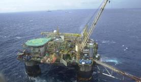 A produção de petróleo em abril foi 1,1% superior à de março e totalizou 2,290 milhões de barris por dia (Arquivo/Agência Brasil)