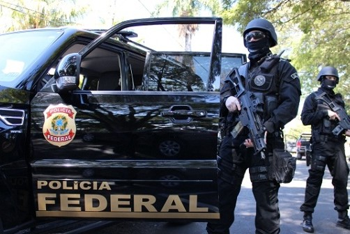 Os mandados judiciais foram expedidos pela 7ª Vara Federal Criminal, no Rio.