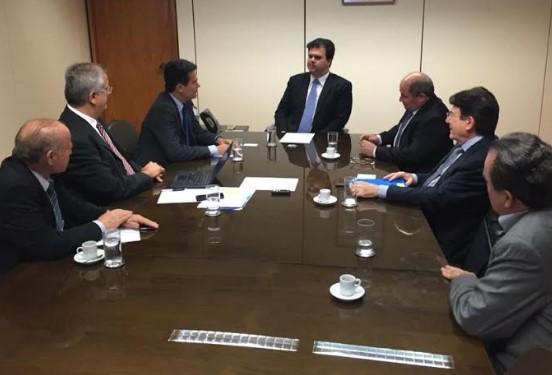 Agricultores do Oeste mostraram ao ministro das Minas e Energia as dificuldades enfrentadas pelo setor.