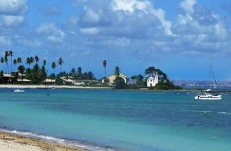 Praia da Penha, em Mar Grande, na Ilha de Itaparica.