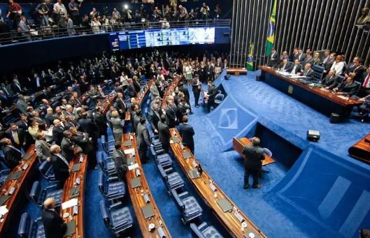 São necessários 49 votos para aprovar a PEC no Senado (Foto: Agência Senado)