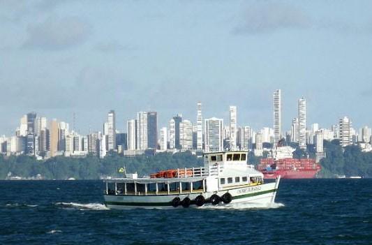 A travessia Salvador-Mar Grande conta com oito embarcações em tráfego (Foto: Astramab/Divulgação)