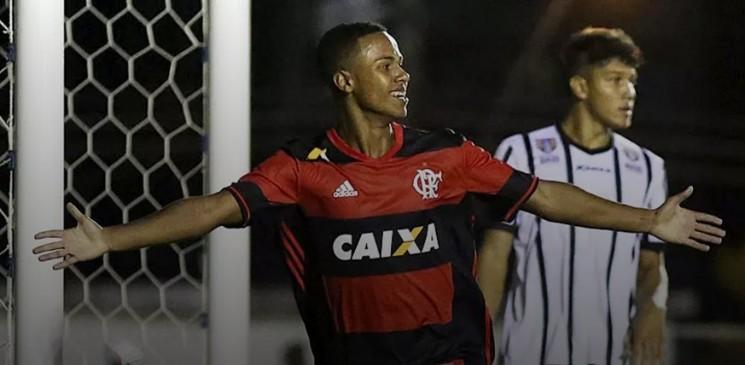 Nas oitavas de final o Flamengo terá pela frente o Cruzeiro, que  eliminou o Bragantino ao vencer por 3 a 0.