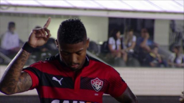 Comportamento de Marinho irritou torcedores, que reagiu nas redes sociais.