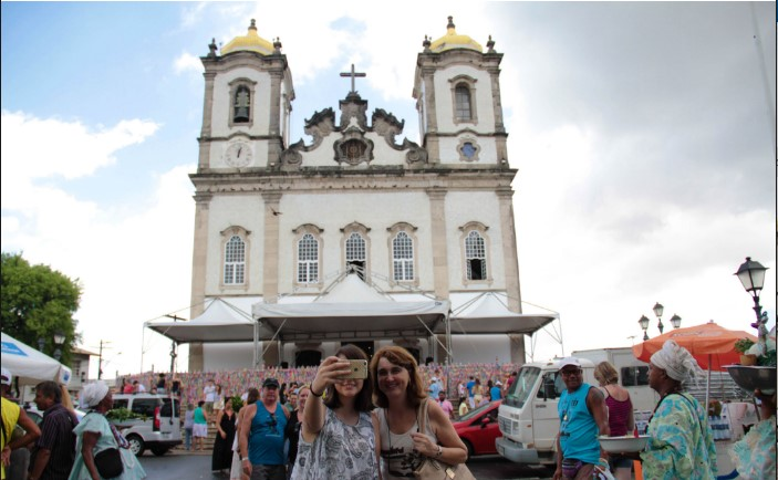 Muitos turistas que chegam a Salvador visitam visitaram a  Colina Sagrada nesta terça (10) (Fotos: Tatiana Azeviche/Setur/Divulgação)