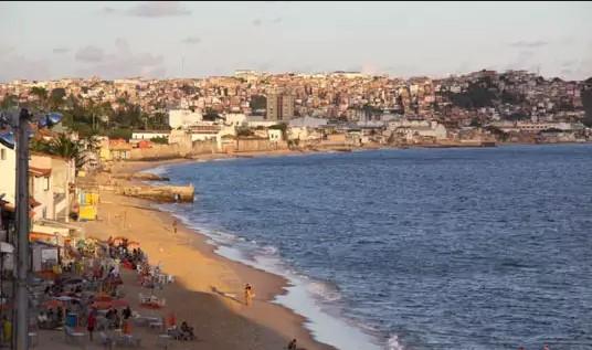 A praia do Roma, na Cidade Baixa,  está na relação de praias imprópria para banho.