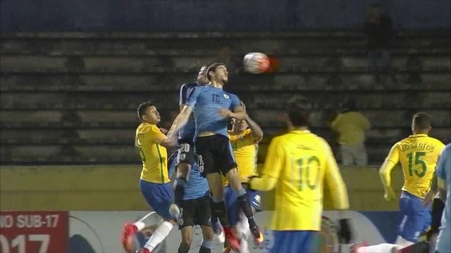 Paulinho marcou três gols na goleada do Brasil. Com o resultado, a equipe comandada por Tite chegou a 30 pontos na tabela das Eliminatórias Sul-Americanas para a Copa do Mundo Rússia 2018 e disparou na liderança. (Foto: CBF/Divulgação)