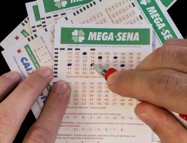 O próximo sorteio será terça-feira (17), com prêmio de R$ 2,5 milhões.