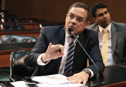 """Luciano Ribeiro:  """"O governo focou na obra do metrô e esqueceu dos demais setores."""""""
