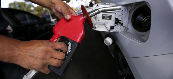 Com o aumento que passará a vigorar a partir de amanhã, o preço da gasolina acumula alta nos últimos quatro dias  de 4,7% e o óleo diesel de 4,2%. (Foto: Marcelo Camargo/Agência Brasil)