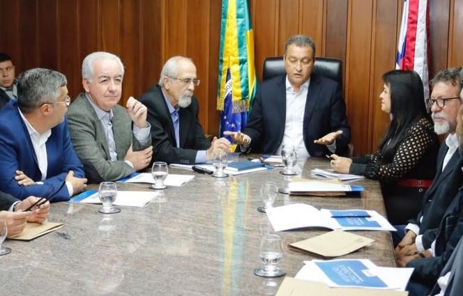 Na reunião,  Rui Costa  explicou  a dinâmica da integração do sistema auxiliar de alimentação.