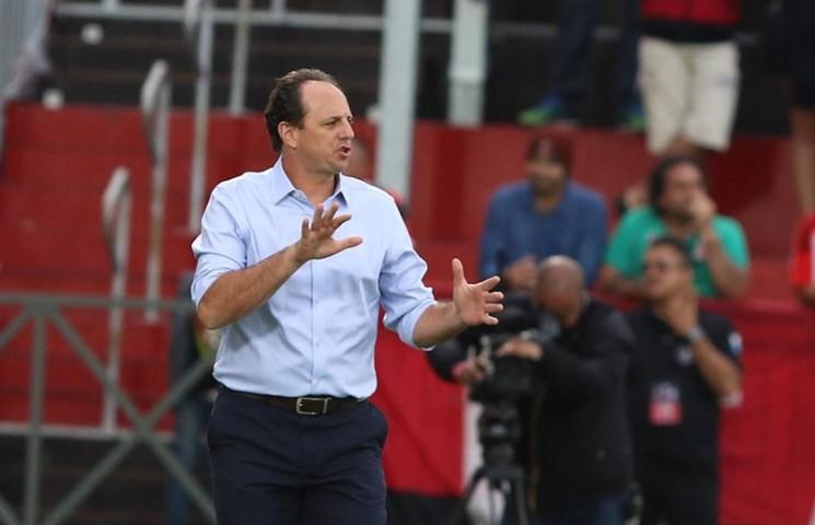 O São Paulo até que esperou, mas os resultados do time com Rogério Ceni no comando técnico foram decepcionantes. (Foto: Rubens Chiri / saopaulofc.net/Divulgação)