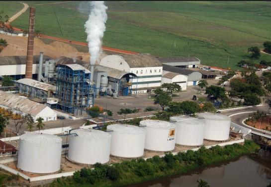 As distribuidoras, que também têm destilarias, importam álcool de milho dos EUA na entressafra de São Paulo. E no auge da safra no Nordeste.