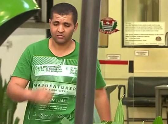 Diego Ferreira de Novais foi preso   ao ejacular sobre o pescoço de uma passageira de um ônibus na avenida Paulista, em São Paulo (Reprodução/TV Globo)