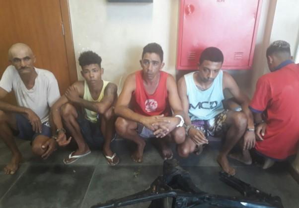 Rondesp/Leste prende grupo com três submetralhadoras em Feira. (Foto: SSP/Divulgação)
