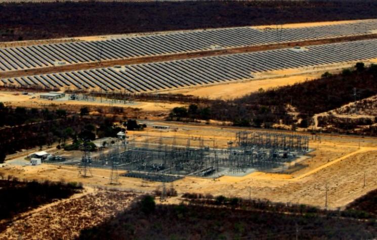 Parque de energia solar  construído pela empresa italiana Enel Green Power em Bom Jesus da Lapa, no oeste baiano.