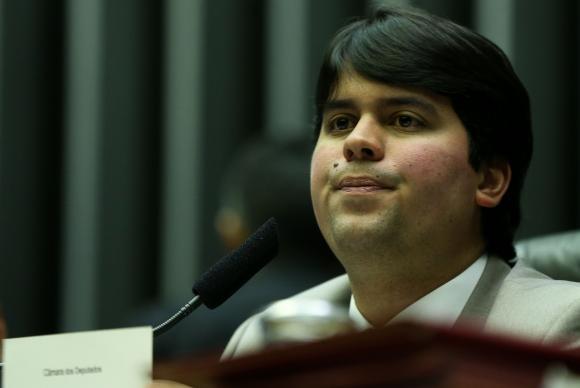 Deputado André Fufuca convocou sessão para segunda-feira para tentar garantir as votações (Foto: Marcelo Camargo/Agência Brasil)