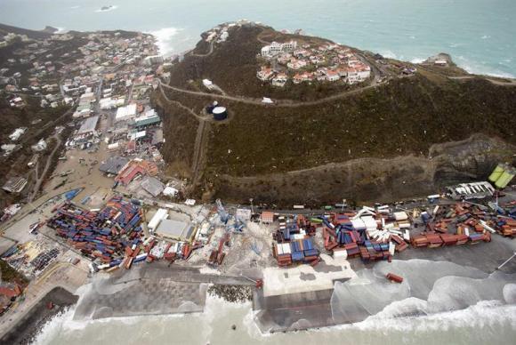 Passagem do furacão Irma pela província holandesa de Philipsburg, na ilha de San Martín (Reprodução da Agência Brasil/EFE/Gerben Van Es/Min. Defesa Holanda)