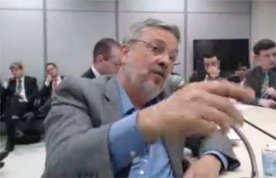 Ex-ministro Antonio Palocci presta depoimento ao juiz Sérgio Moro (Foto: Reprodução/TV)