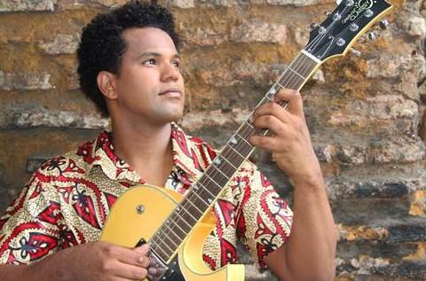 Ramon Lima encerra a programação do ''Viva Música'' com repertório de forró (Foto: Dayanne Pereira / Divulgação)