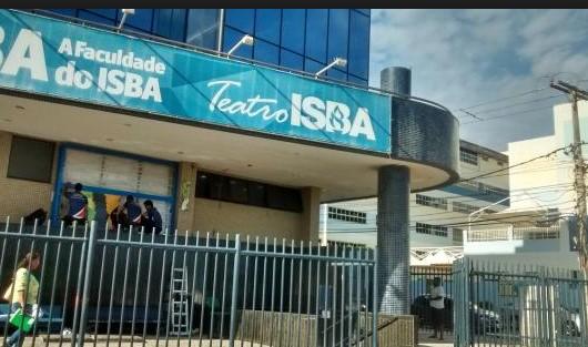 Teatro ISBA, em Ondina.