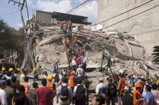 Muitas pessoas perderam a vida, incluindo meninas e meninos em escolas, (Foto: Internet/Reprodução)